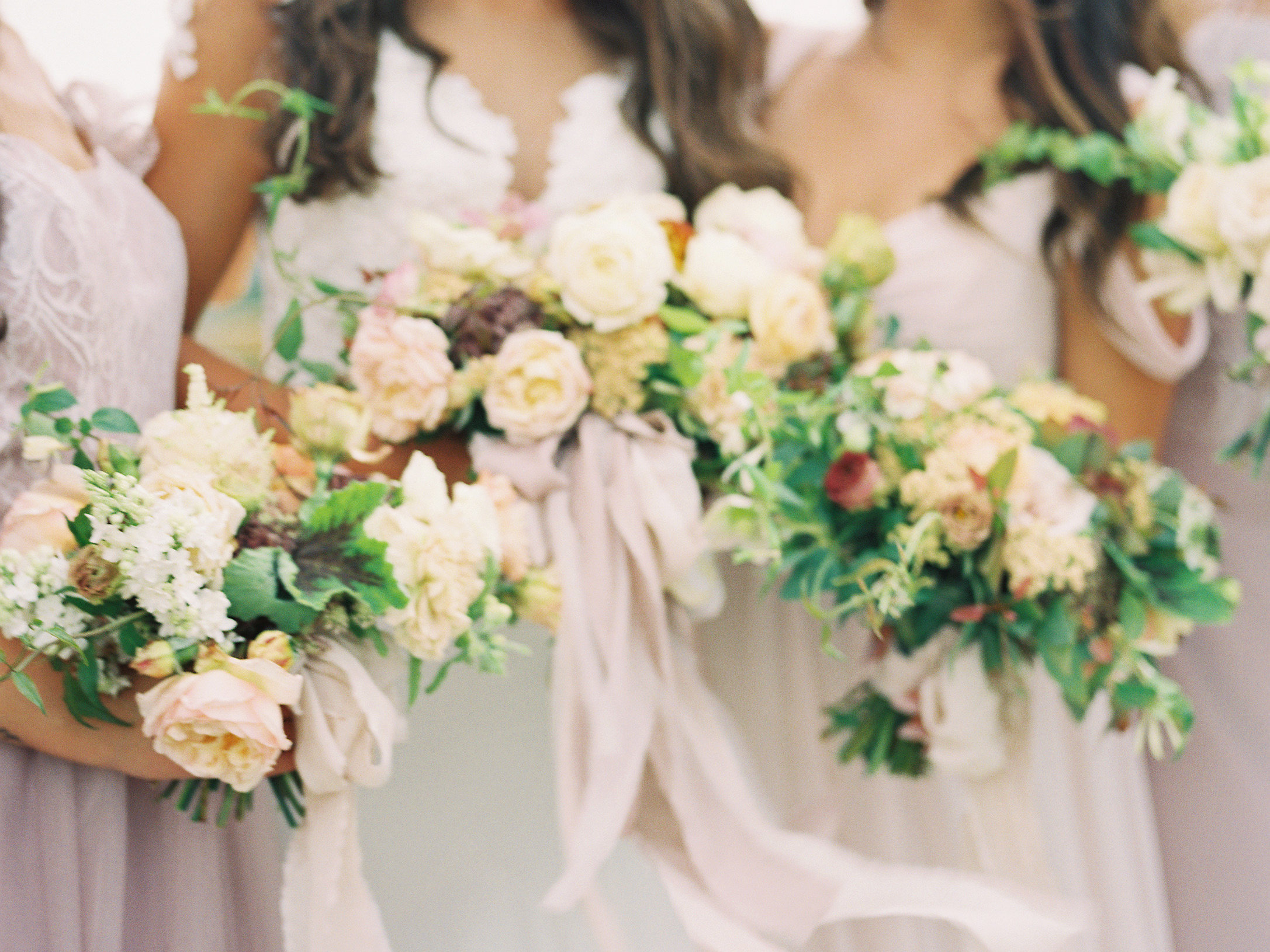 jessica-zimmerman-events-arkansas-wedding-summer-bouquets.jpg