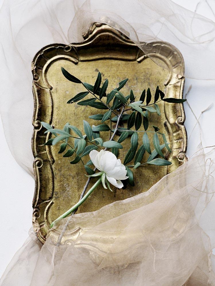 jessica-zimmerman-events-wedding-day-pressure-blue-bouquet.jpg