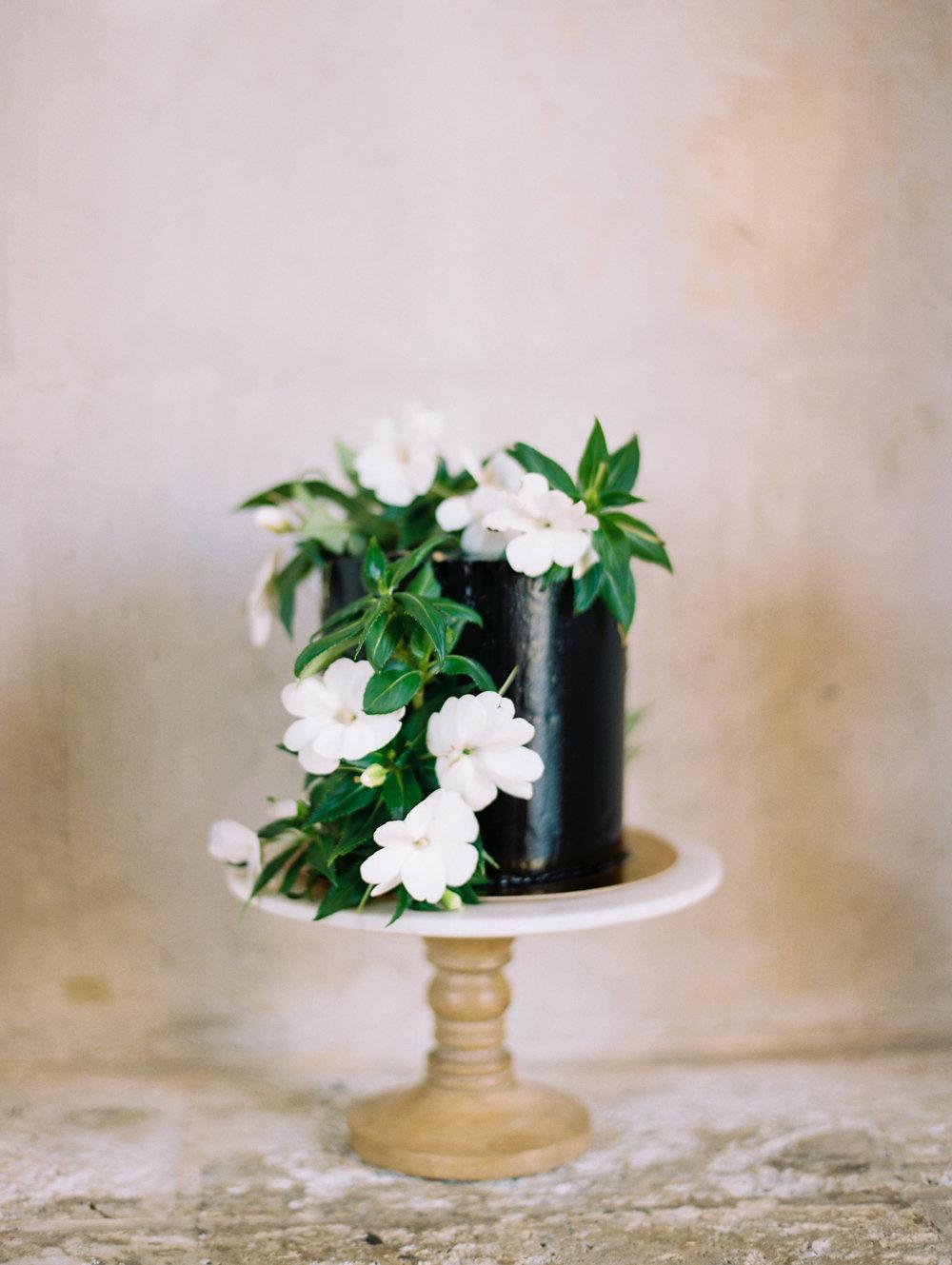 jessica-zimmerman-events-miami-wedding-cake-elope.JPG