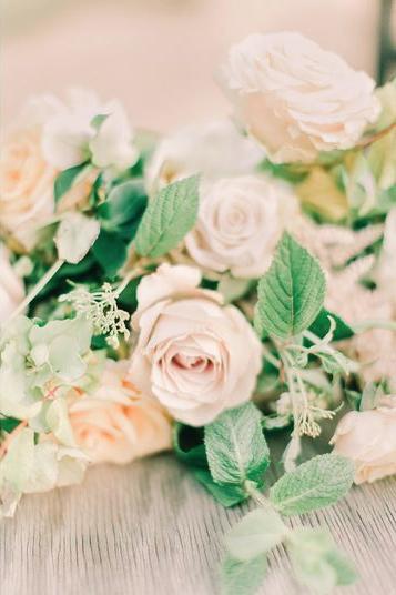 jessica-zimmerman-events-arkansas-wedding-neutral-garden-bouquet.png