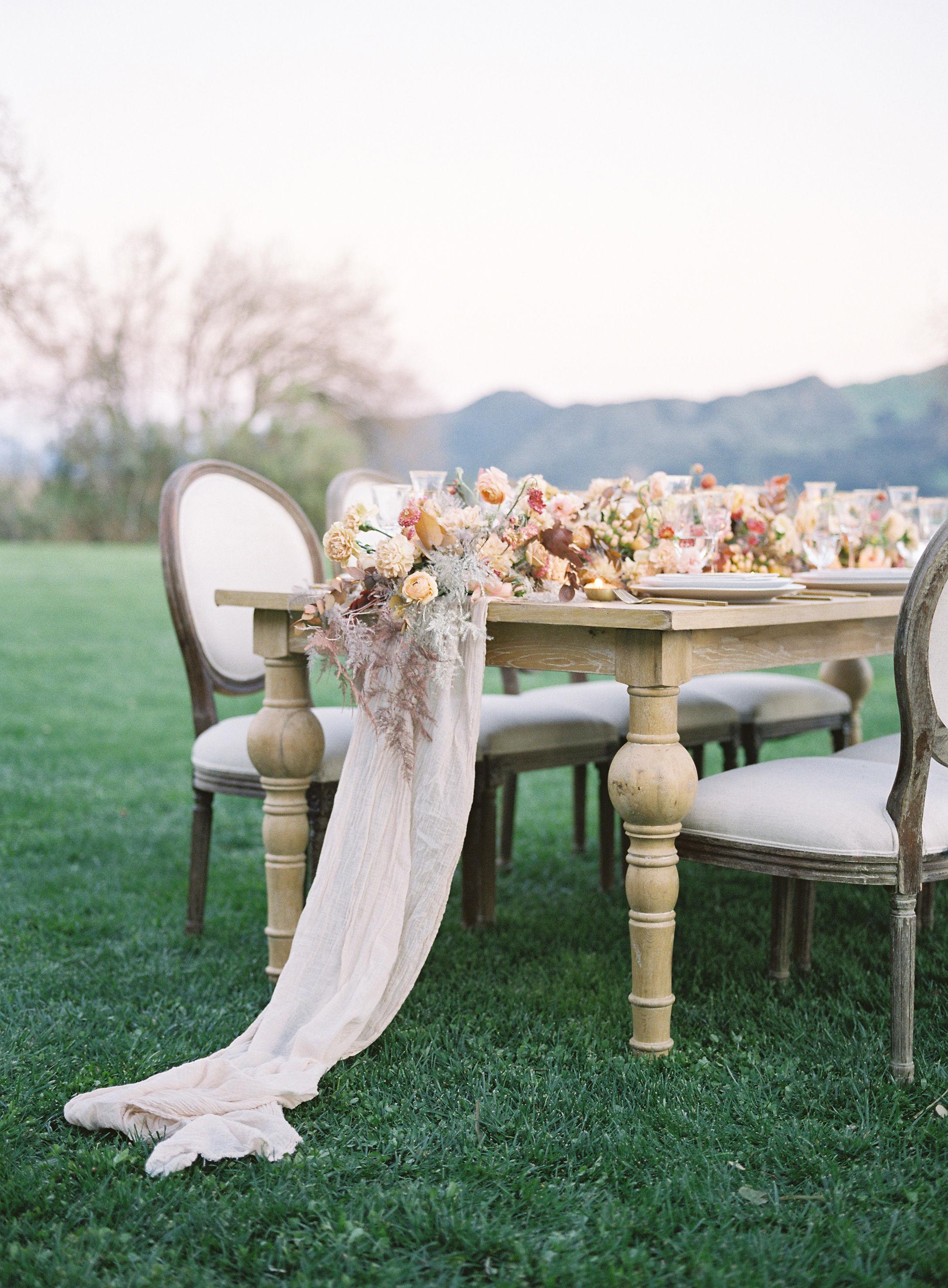 jessica-zimmerman-events-sunstone-reception-linen-table-arrangement.jpg