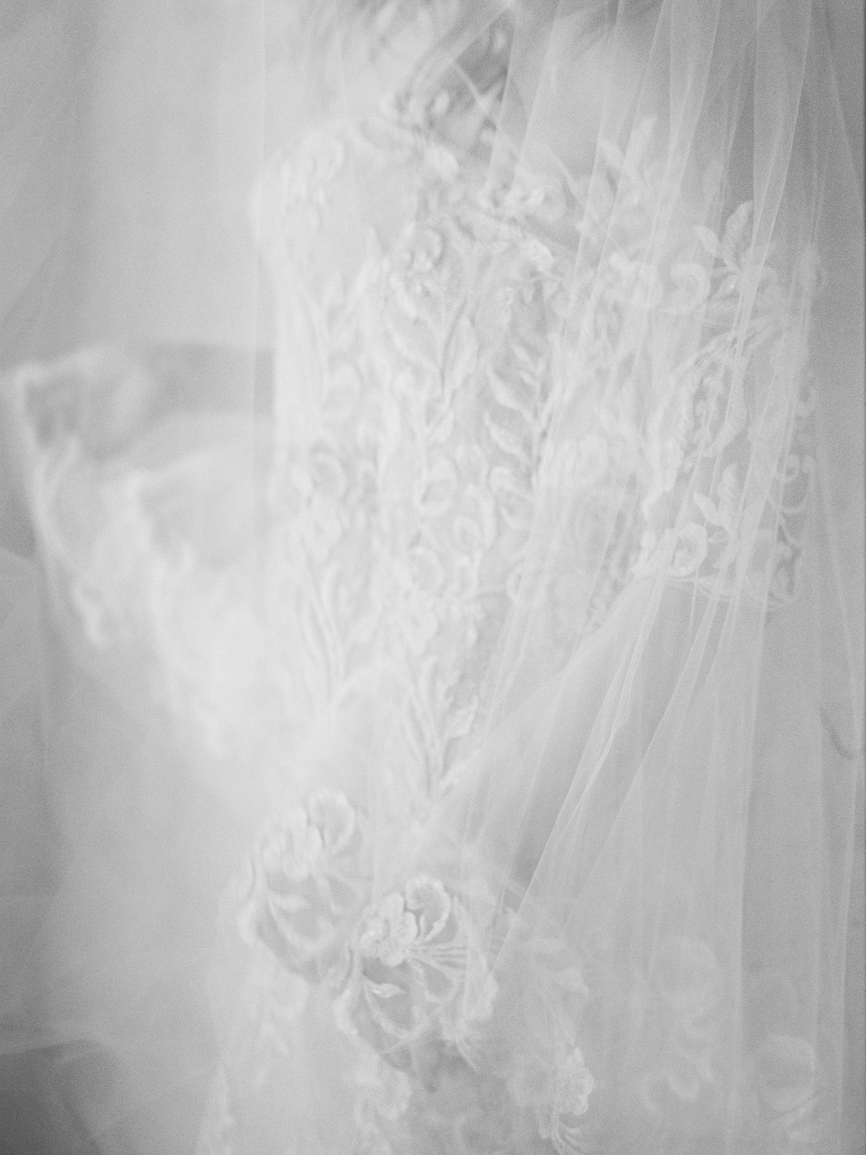 jessica-zimmerman-events-sunstone-lace-gown-bridal.jpg