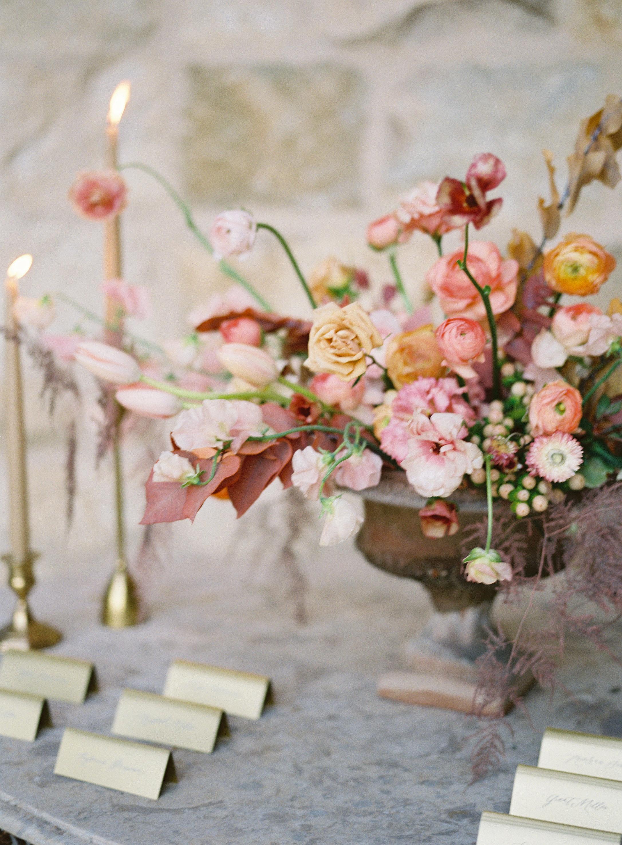 jessica-zimmerman-events-sunstone-floral-arrangement-organic.jpg