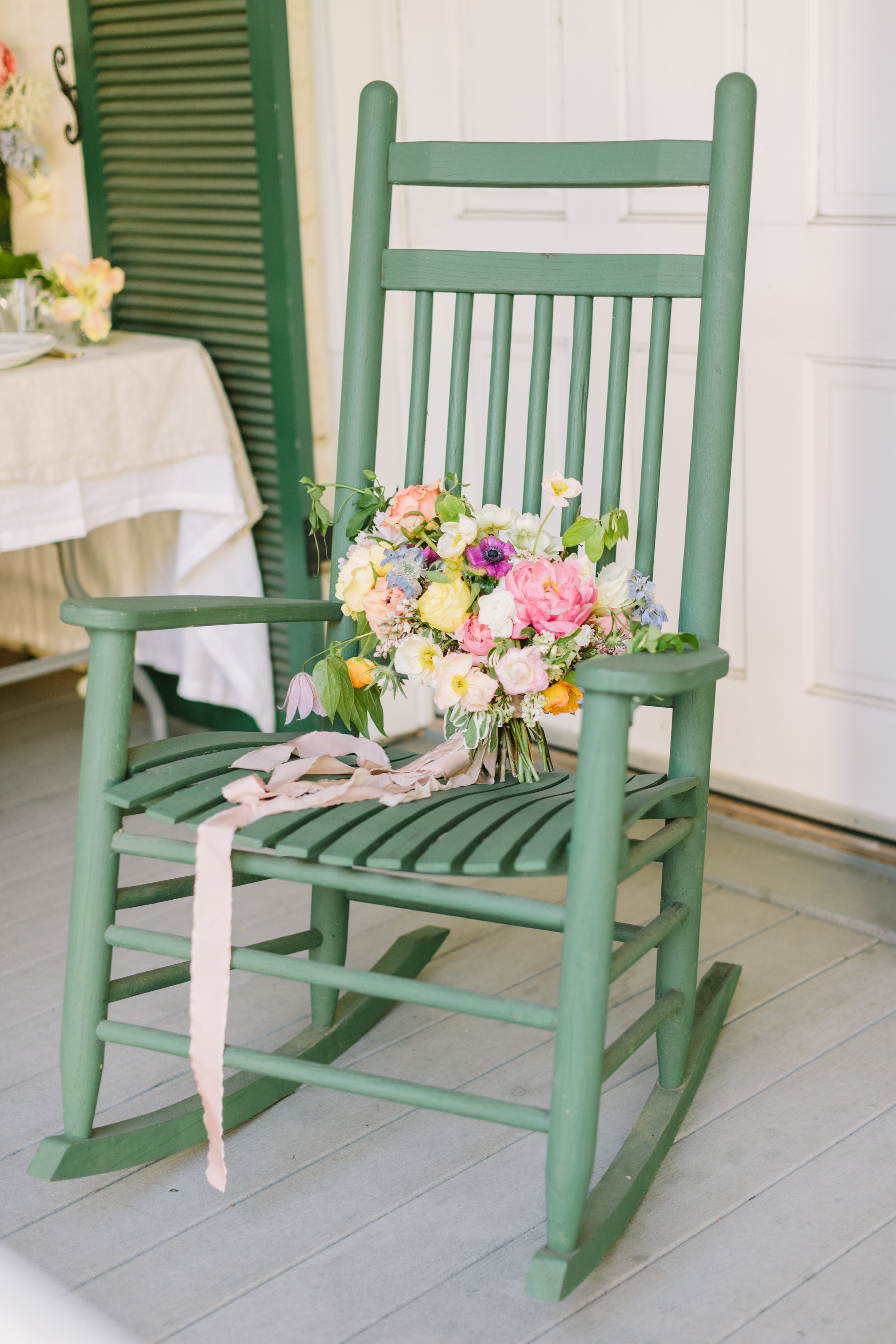 jessica-zimmerman-events-summer-wedding-colorful-bouquet-porch.JPG