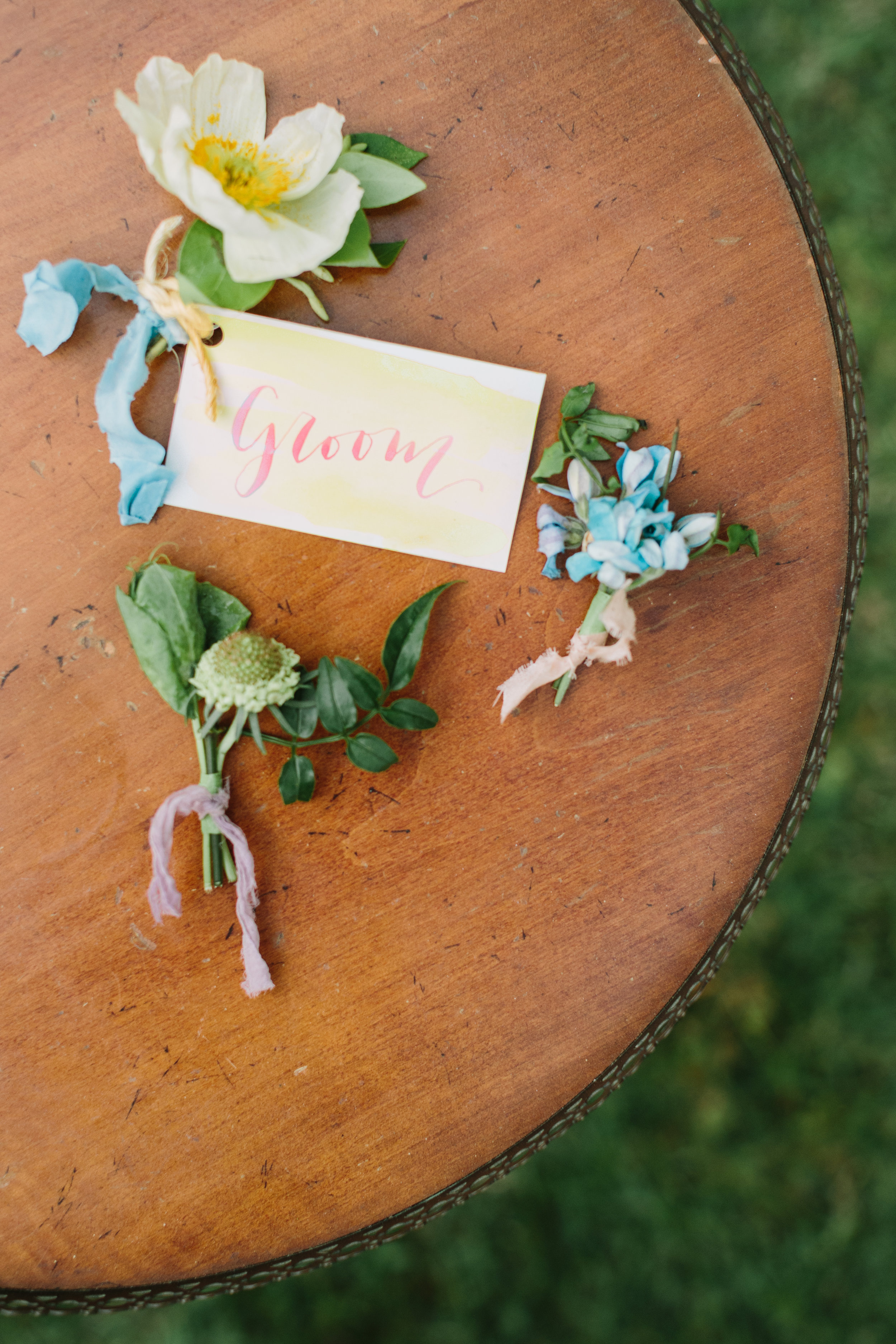 jessica-zimmerman-events-summer-wedding-color-groom-boutonniere.JPG