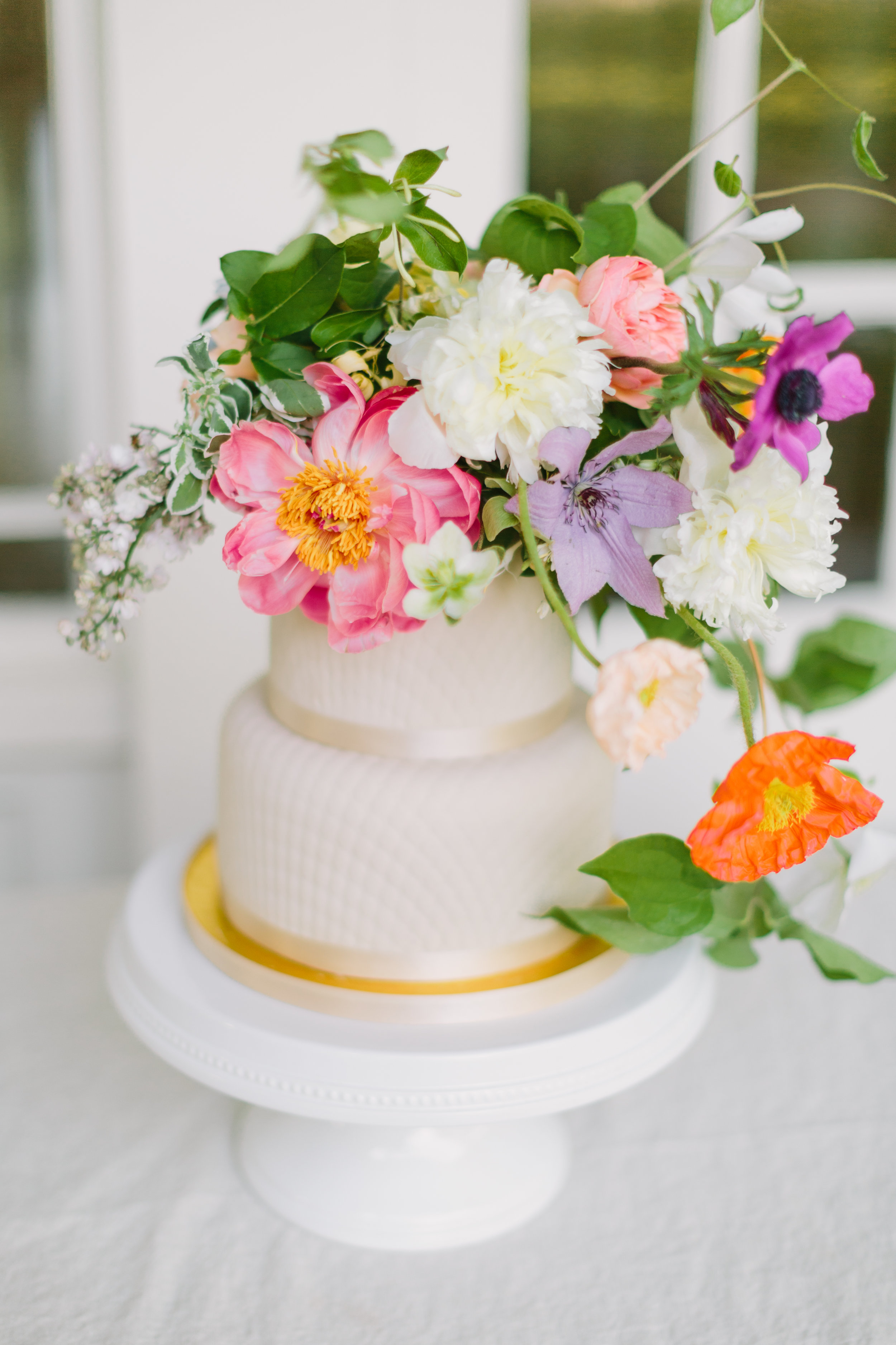 jessica-zimmerman-events-colorful-summer-wedding-cake.JPG