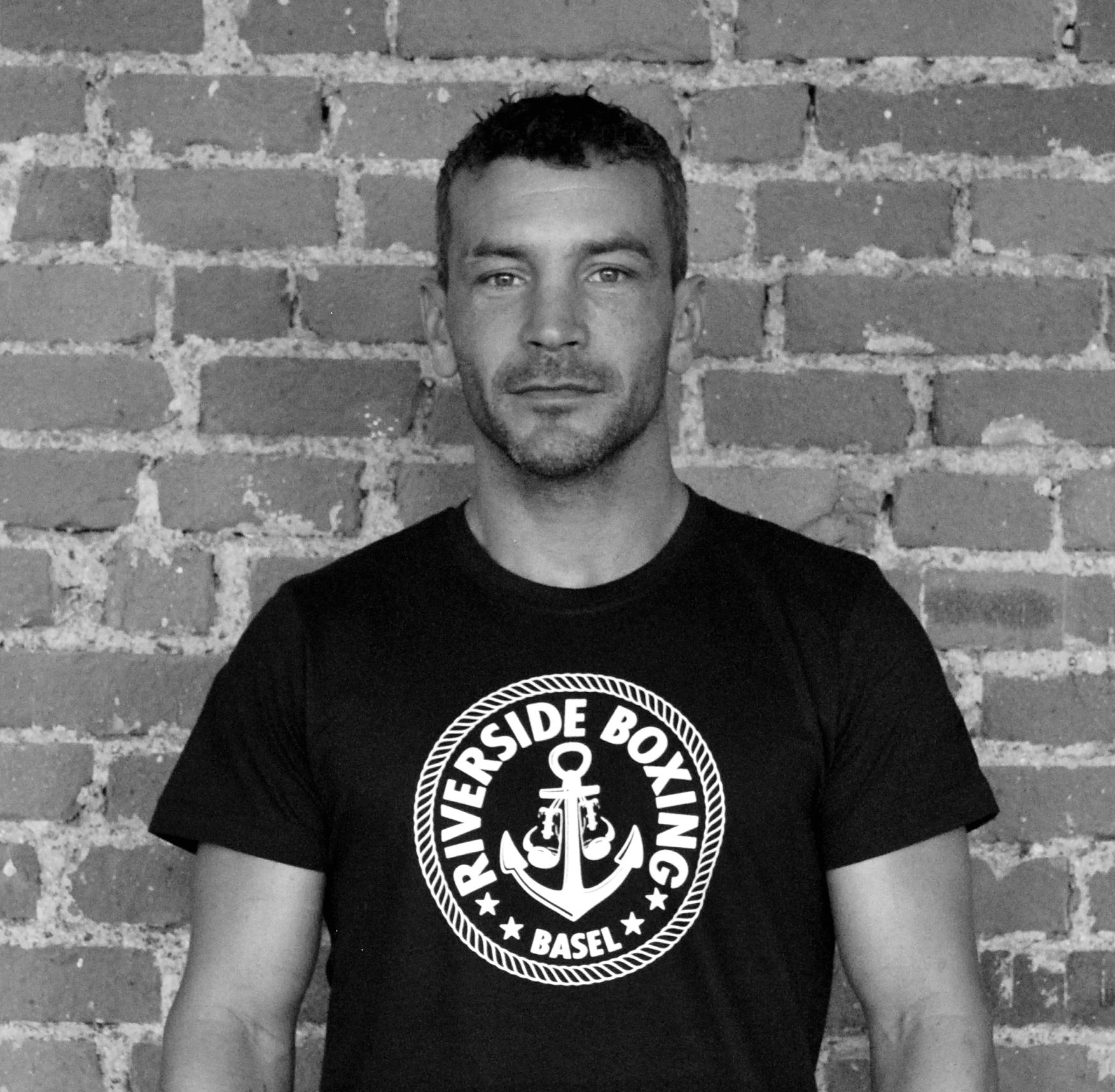 David Rykart   Head Coach    Gründungsmitglied    Ehemaliger Berufsboxer in Europa und Asien    Trainer Boxen und Thaiboxen    Dipl. Swissboxing Wettkampftrainer    Dipl. Swissboxing Jugend- und Fitnesstrainer