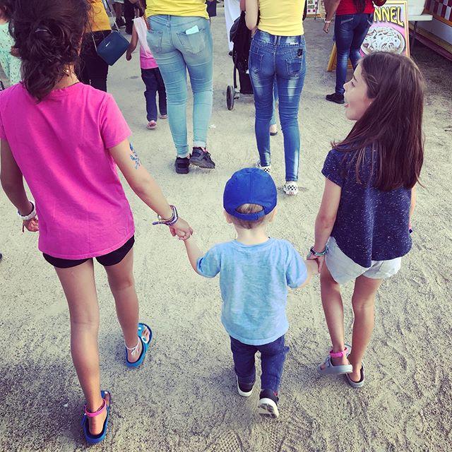 This boy loves his big cousins.