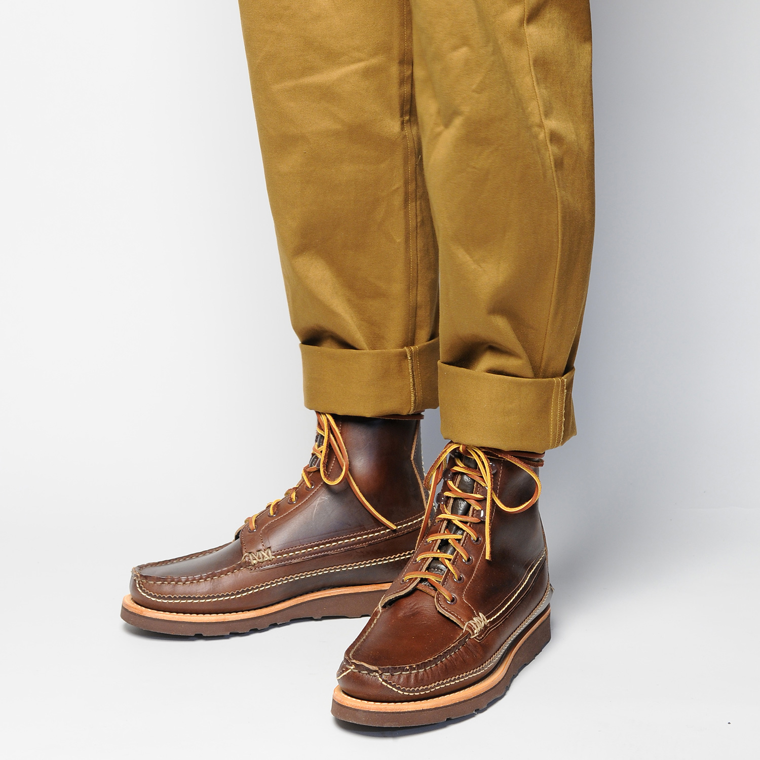 MAINE-GUIDE-DB-BOOTS,-G-BROWN,-WEAR-ANGLE.jpg