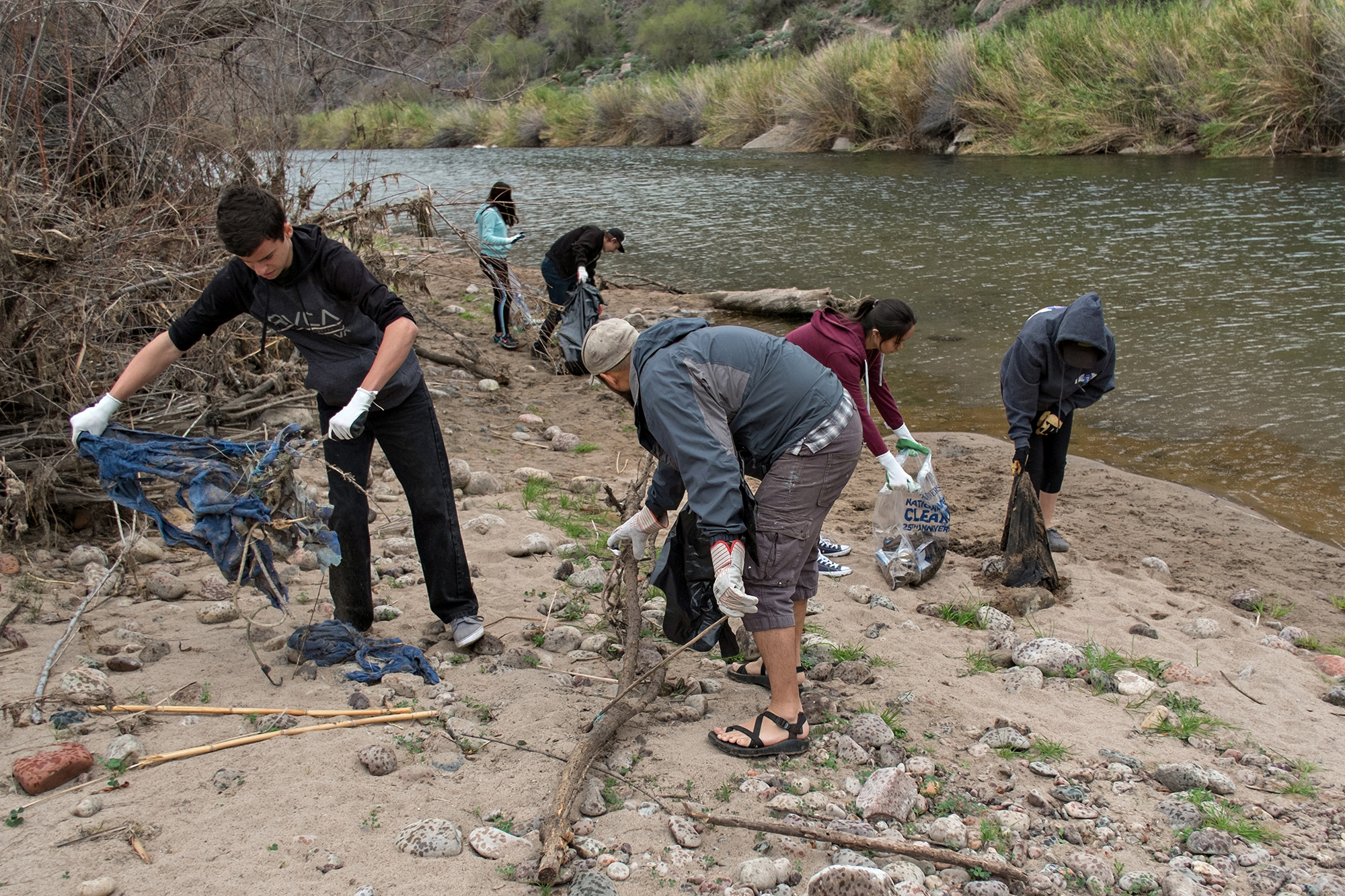 02/18/17 - Lower Salt River Cleanup with volunteers at Phon D Sutton, Sheep's Crossing, & Blue Point.Click HERE to view the entire restoration.