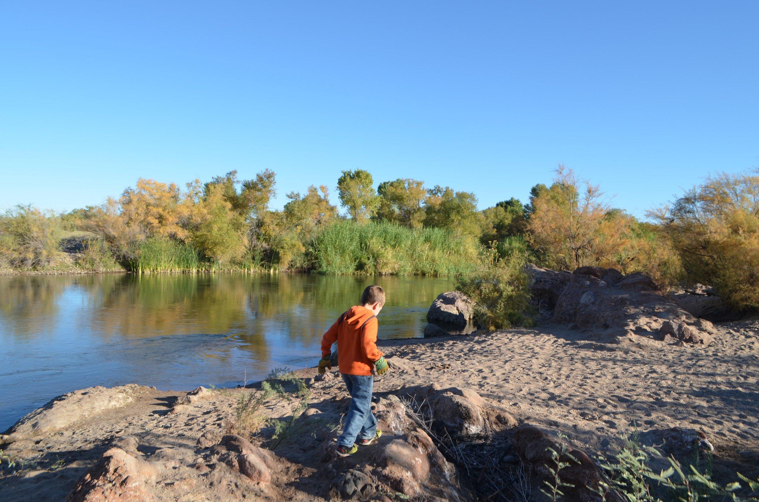 Salt River Cleanup 11-24-17 031.jpg
