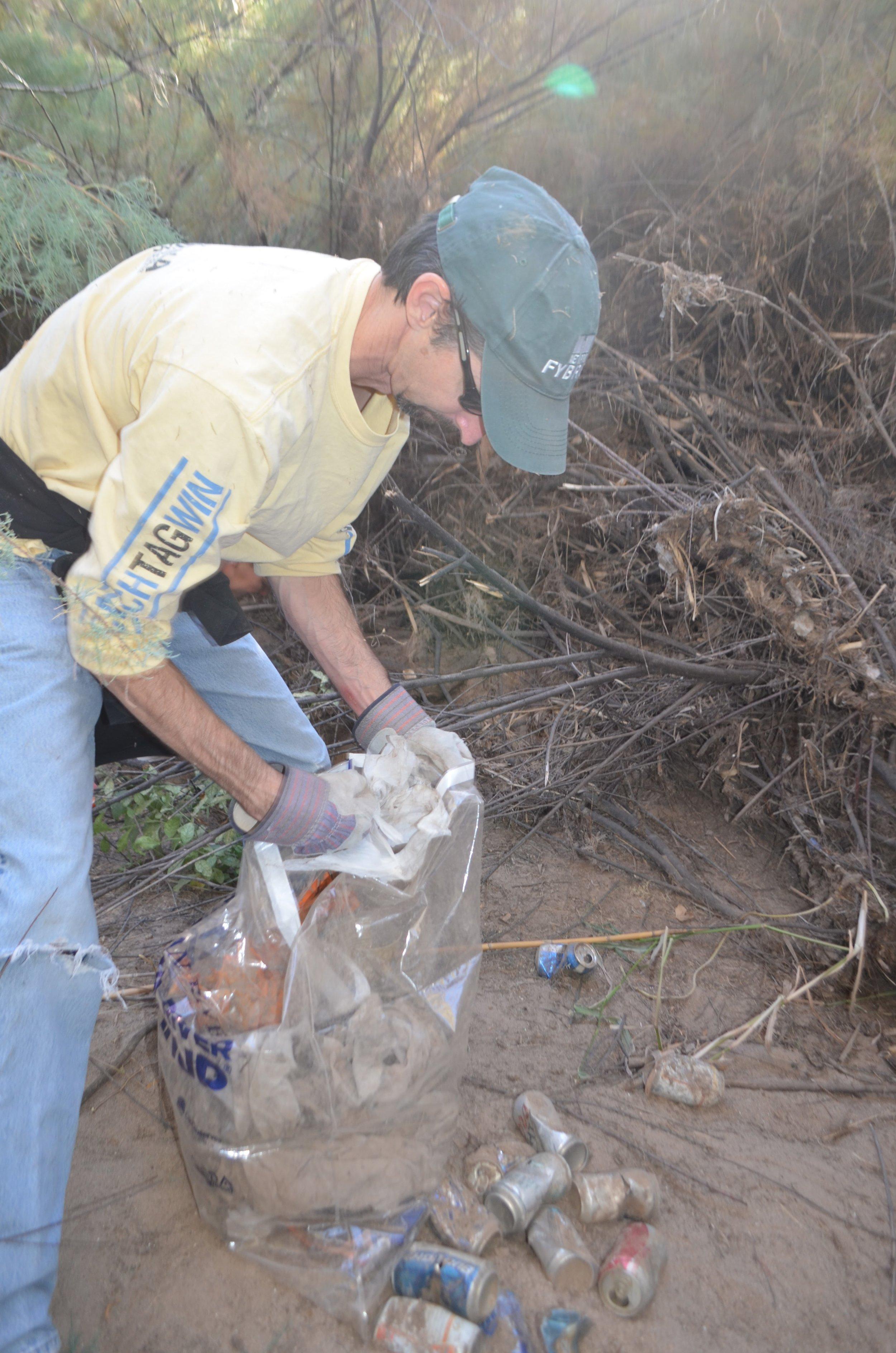 Salt River Cleanup 11-24-17 105.jpg