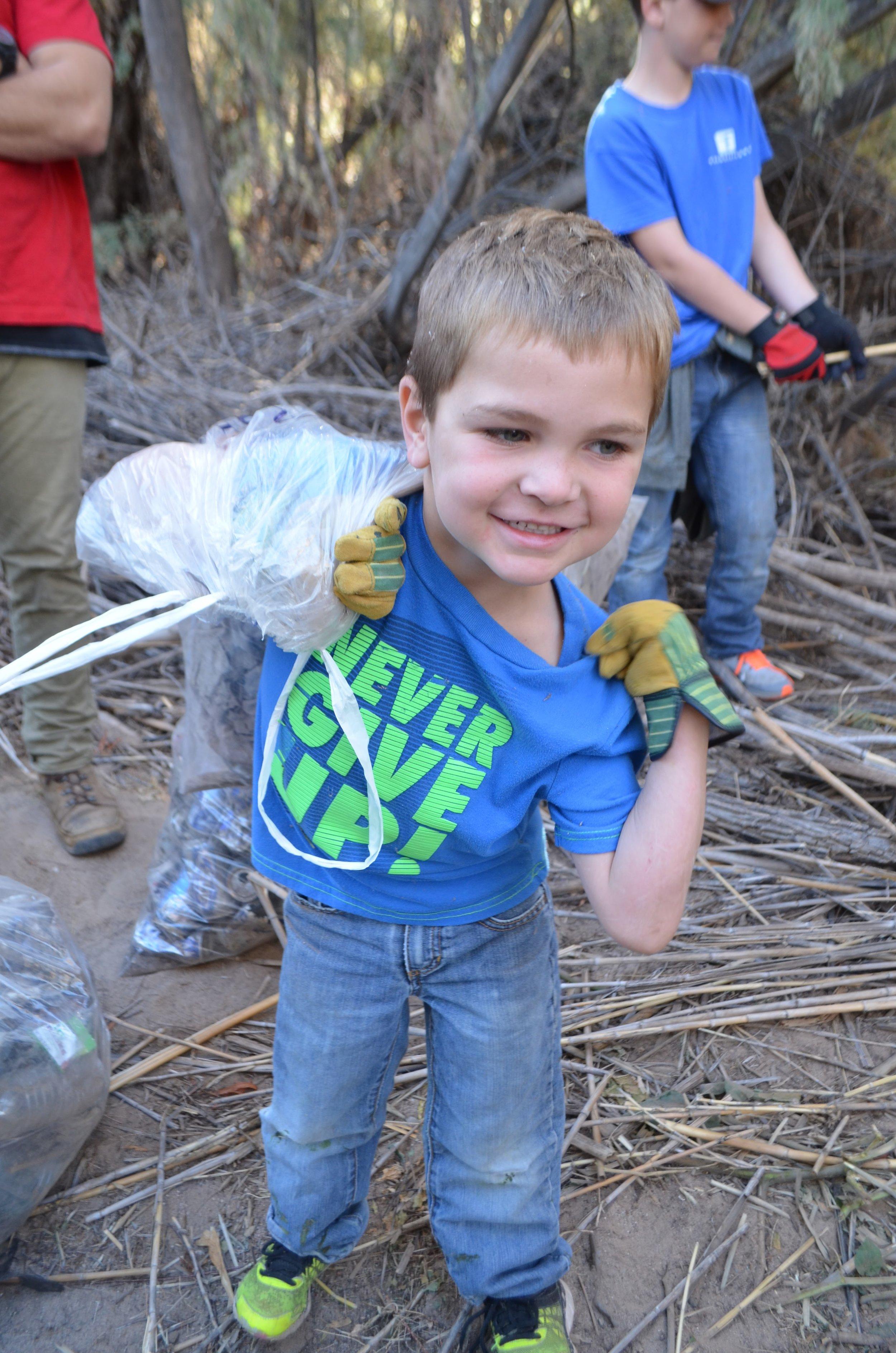 Salt River Cleanup 11-24-17 123.jpg