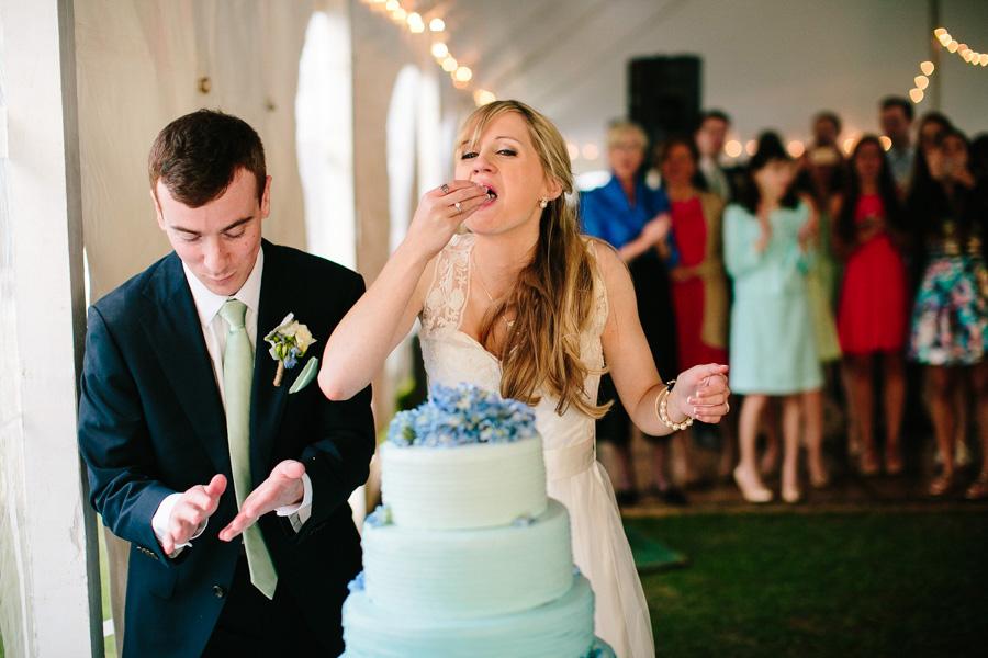 035-ombre-wedding-cake.jpg