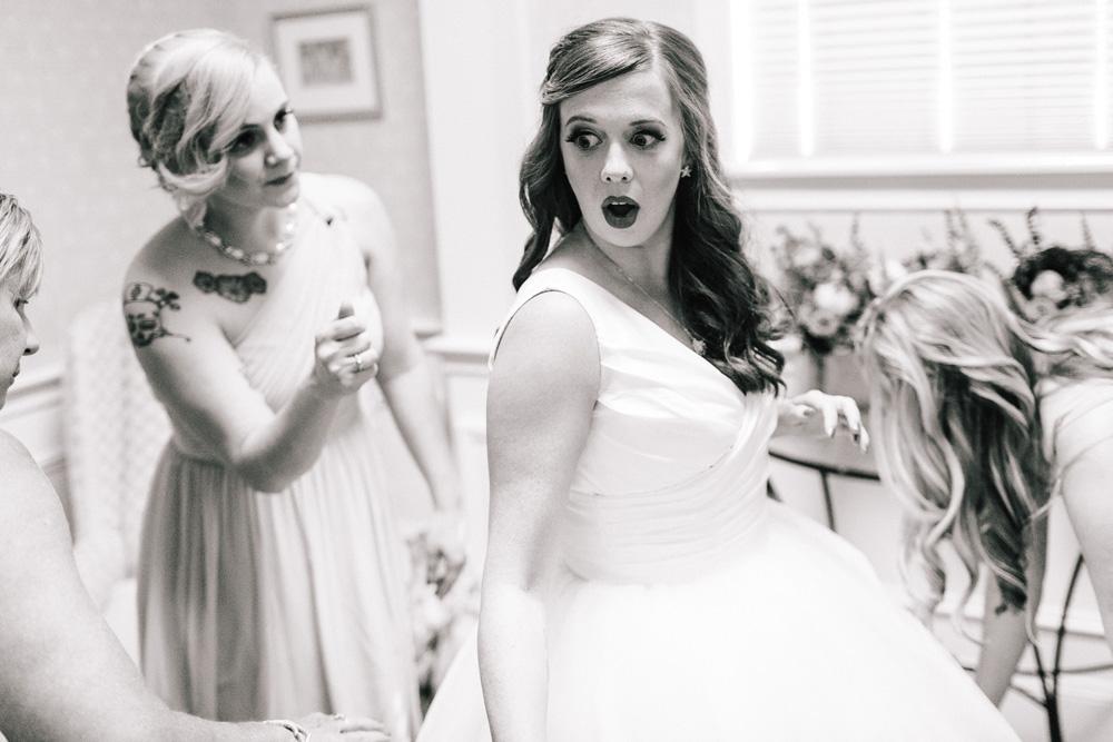 005-creative-bridal-prep-photo.jpg