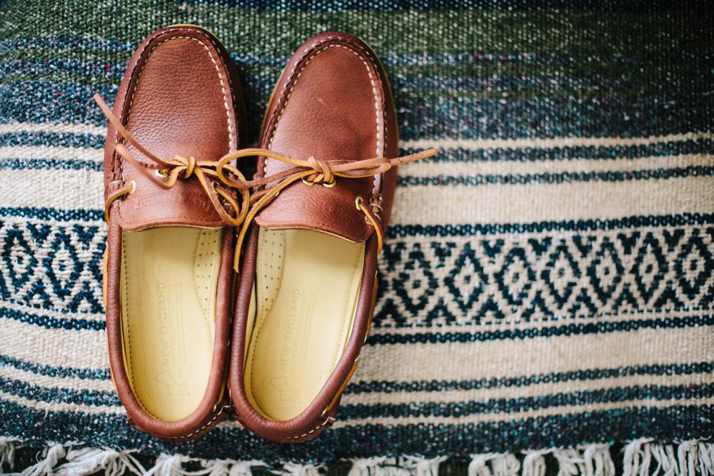 010-groom-in-boat-shoes.jpg