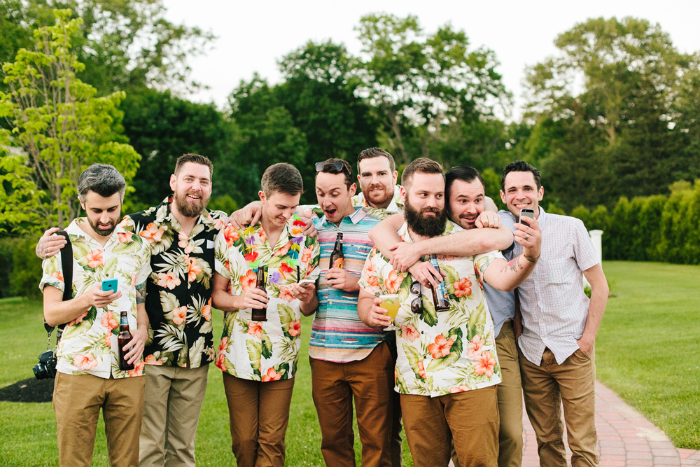 040-tropical-themed-wedding-guests.jpg