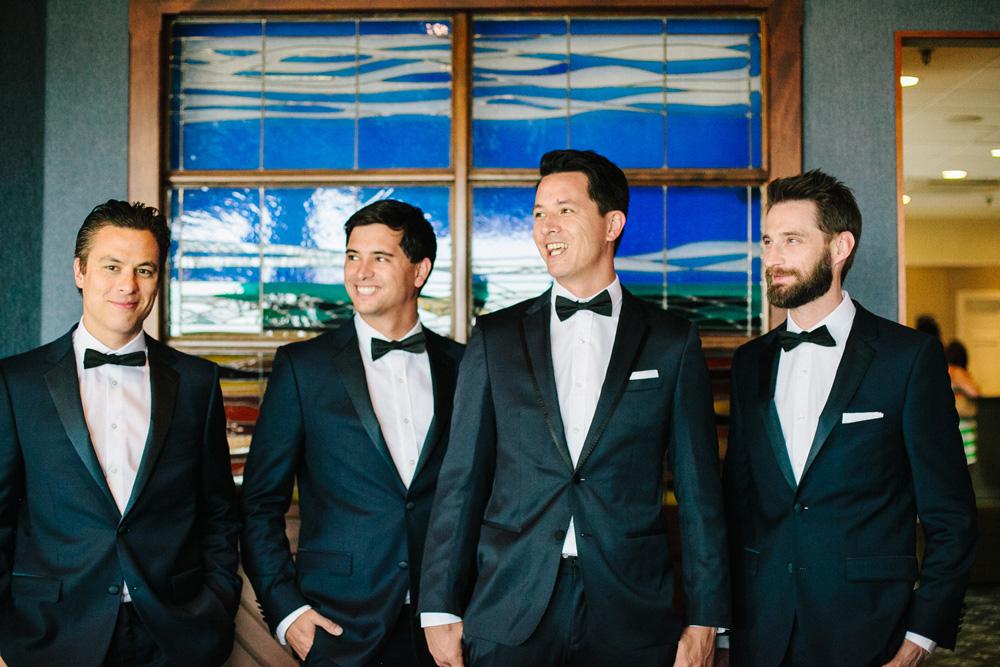 019-creative-groomsmen-photo.jpg