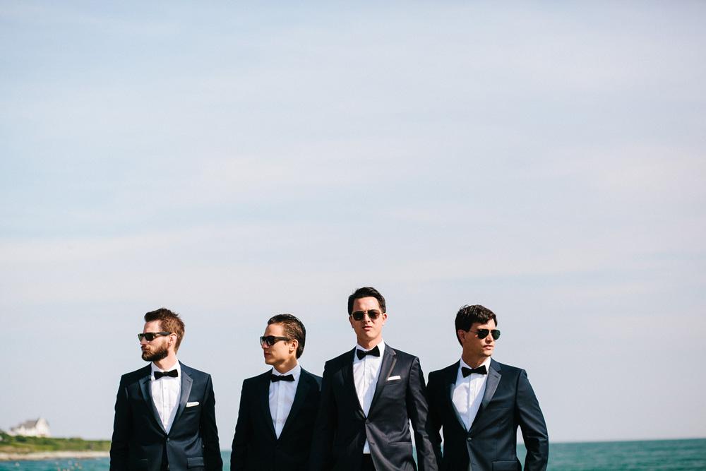 020-creative-groomsmen-photo.jpg