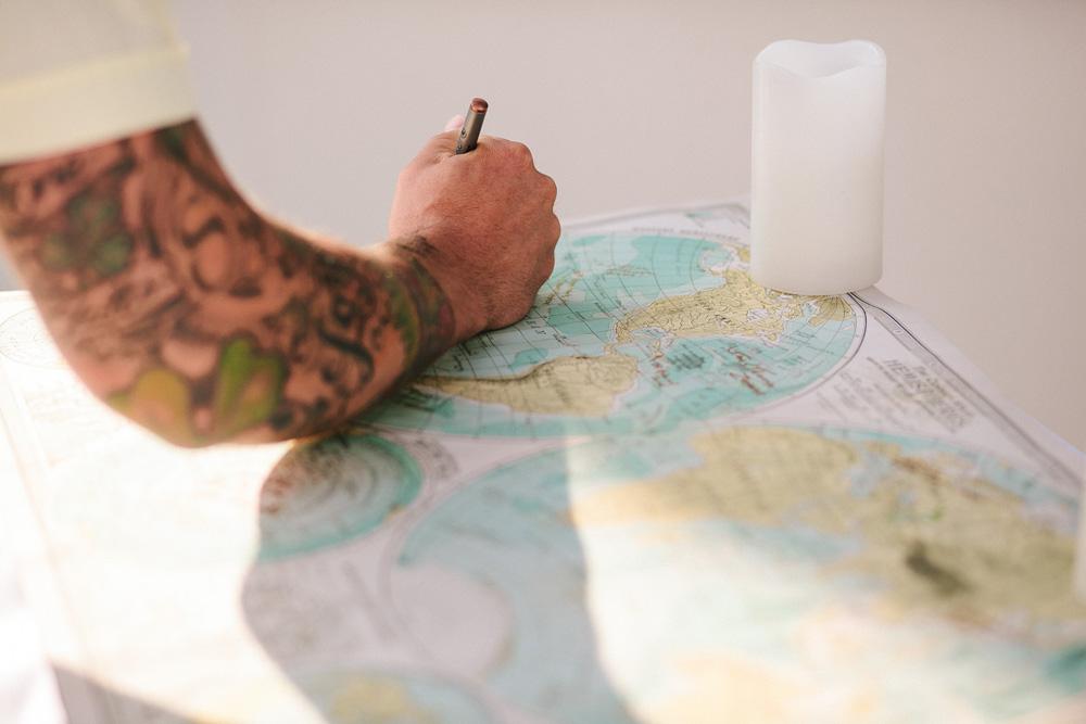 021-world-map-guestbook.jpg