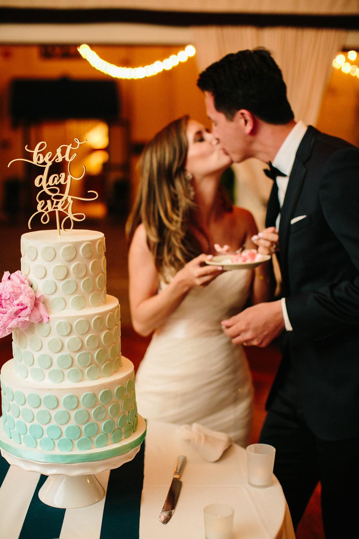056-creative-wedding-cake-photo.jpg
