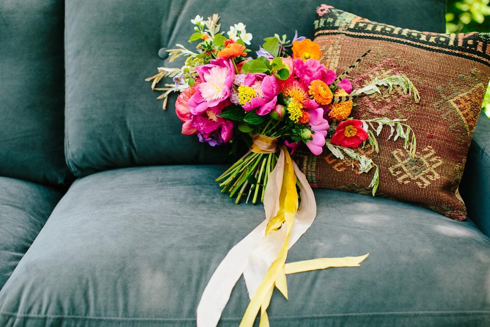 002-creative-bridal-bouquet.jpg