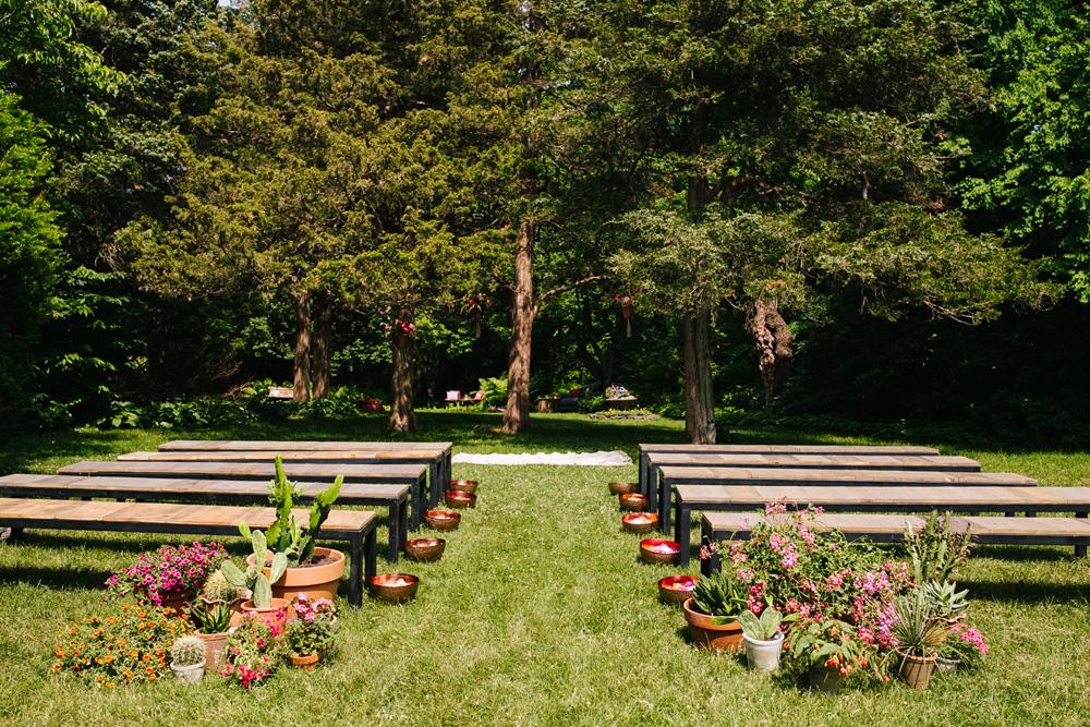 029-intimate-outdoor-wedding-ceremony.jpg