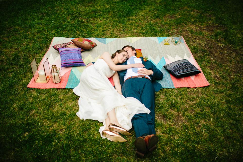 054-creative-outdoor-new-england-wedding-portrait.jpg