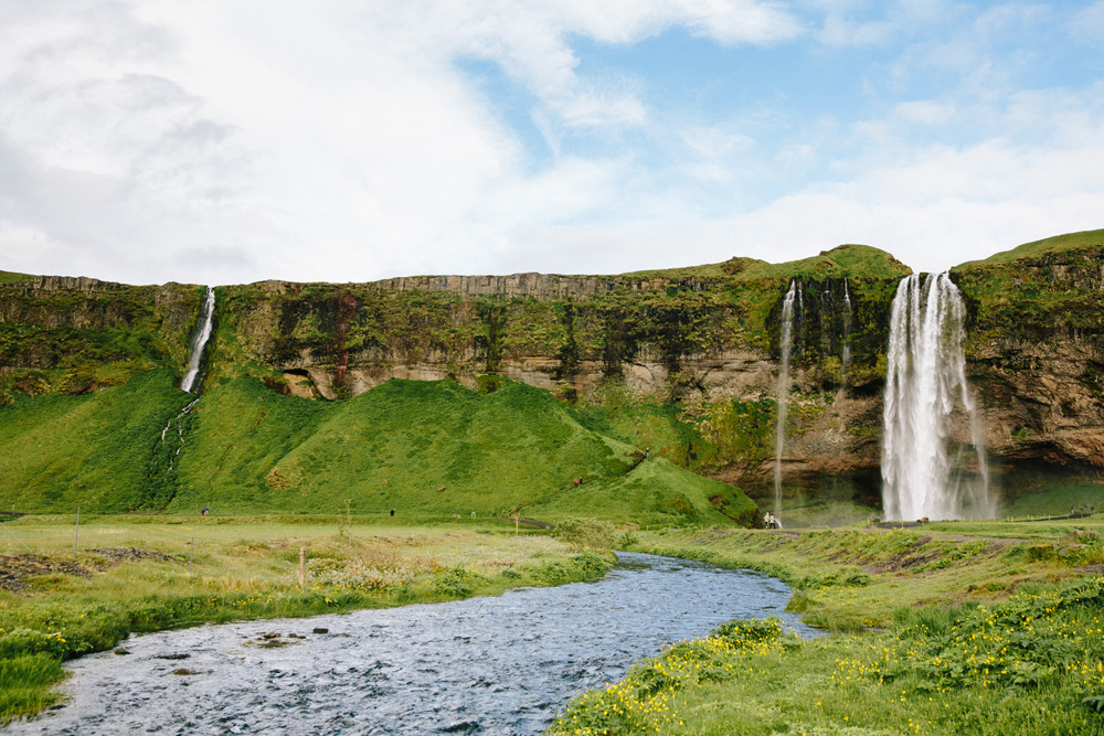009-seljalandsfoss-waterfall.jpg