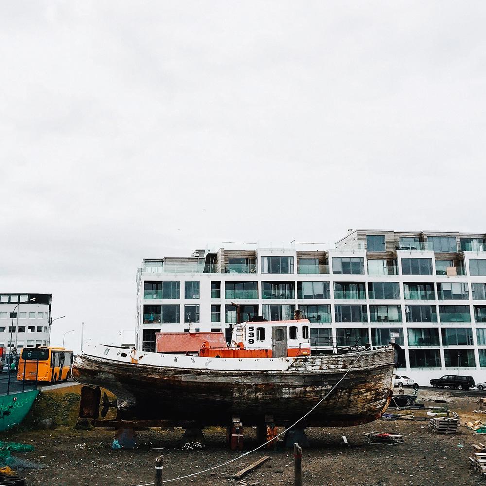 053-reykjavik-marina.jpg