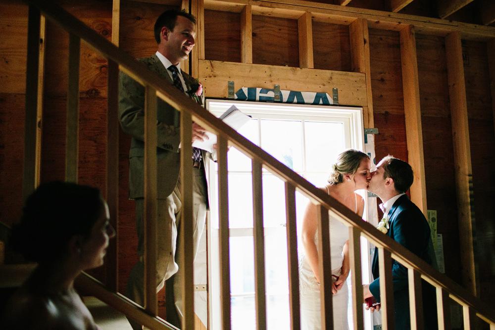 030-new-england-wedding-photojournalism.jpg