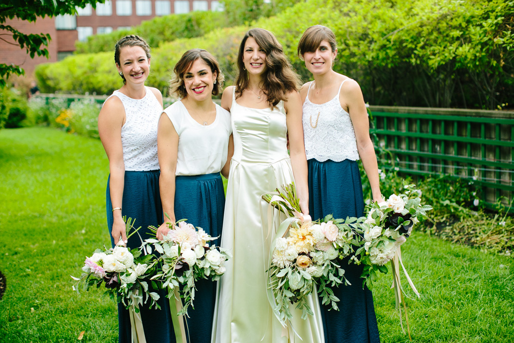 017-hip-new-england-bridesmaids.jpg