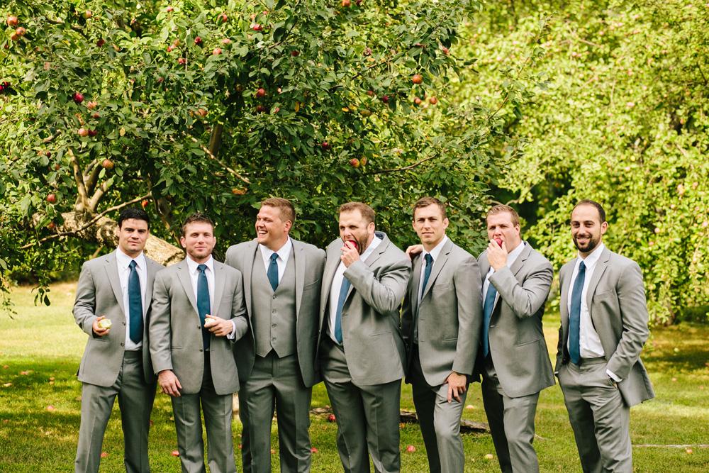 021-rustic-groomsmen.jpg