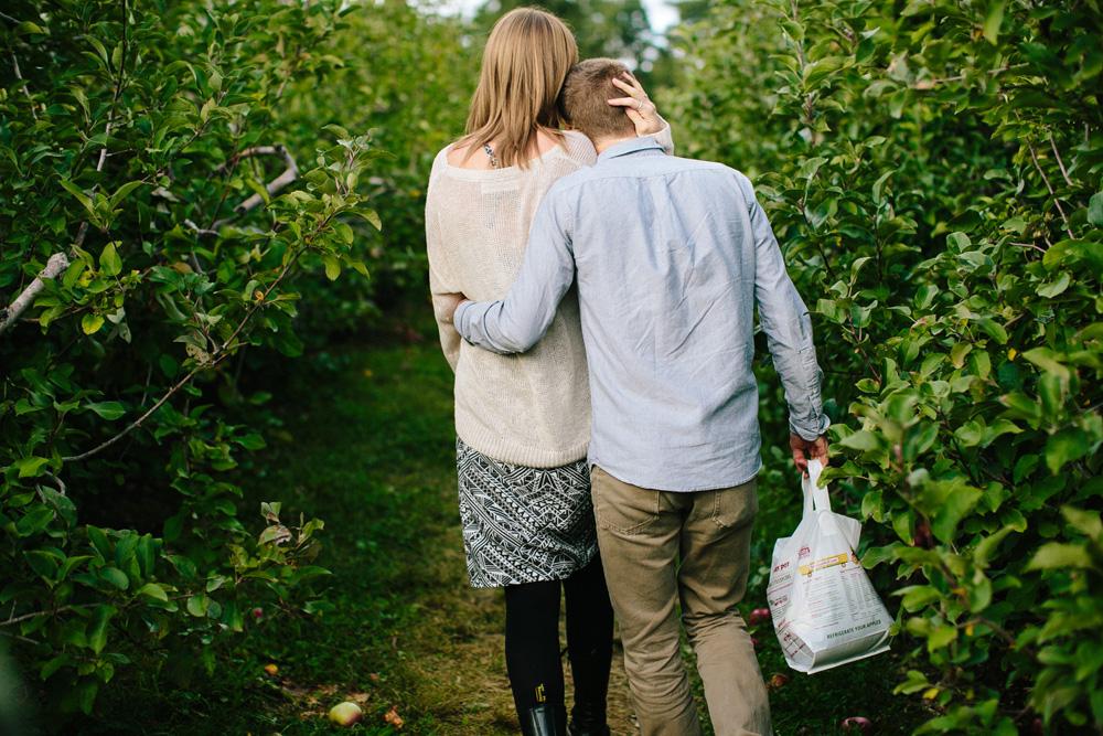 008-honey-pot-hill-apple-picking.jpg