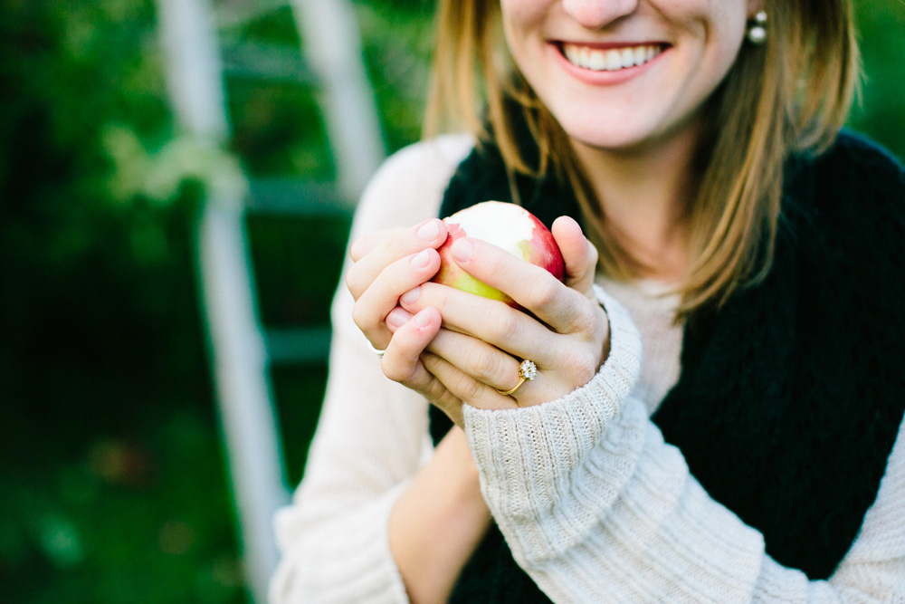 011-creative-fall-engagement-session.jpg
