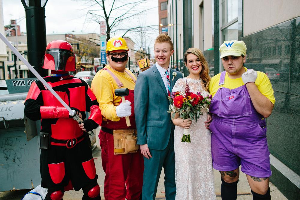 020-cosplay-wedding.jpg