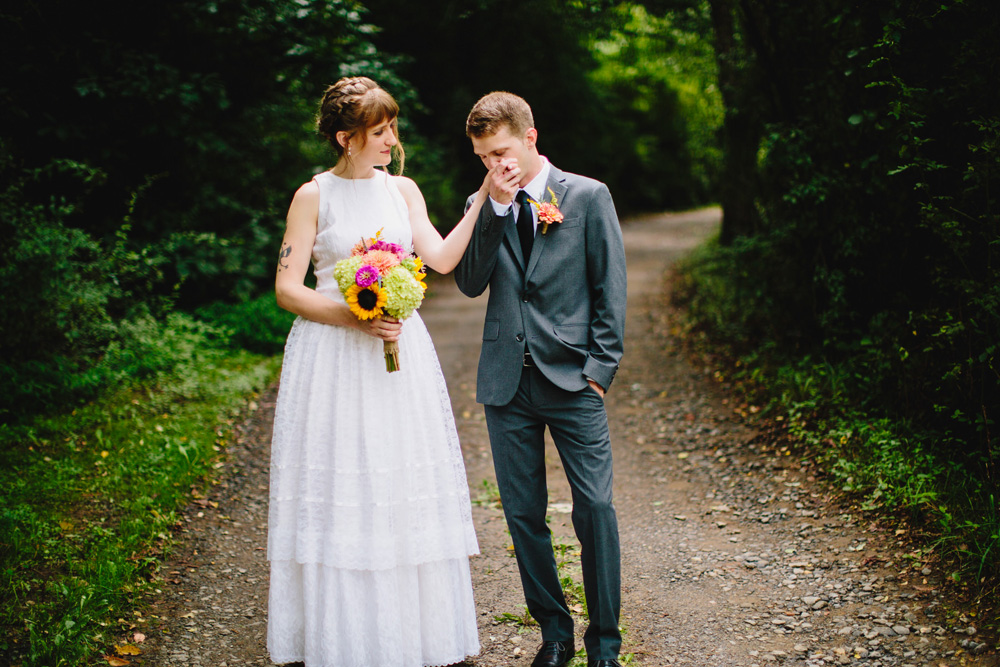 099-hip-new-england-wedding.jpg