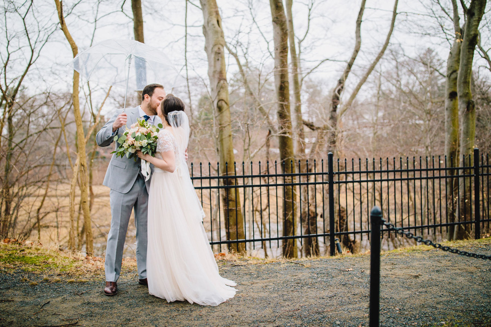019-tupper-manor-wedding-photography.jpg
