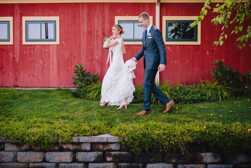 029-hip-maine-wedding-photography.jpg
