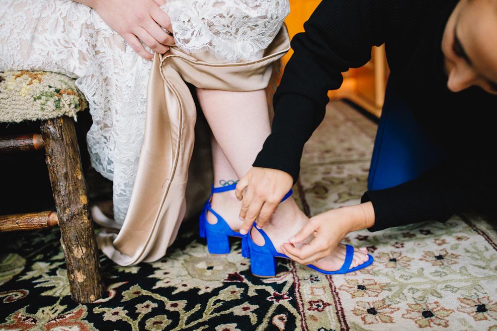 004-hip-maine-wedding-photography.jpg