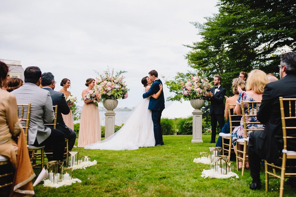 065-the-chanler-at-cliff-walk-wedding-ceremony.jpg