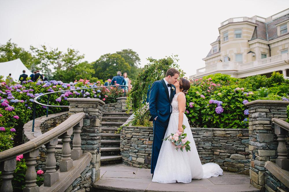 073-creative-newport-rhode-island-wedding-photography.jpg