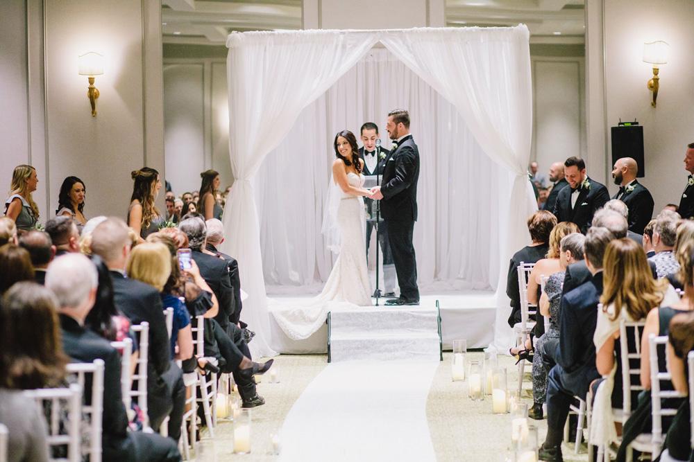 045-commonwealth-hotel-wedding-photography.jpg