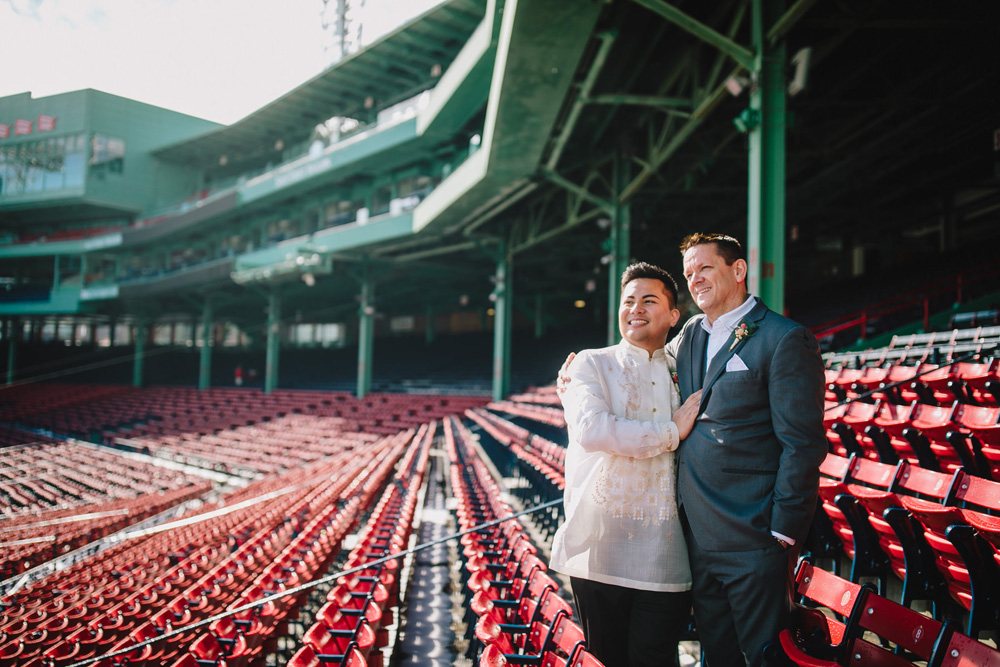 037-fenway-park-wedding-photo.jpg