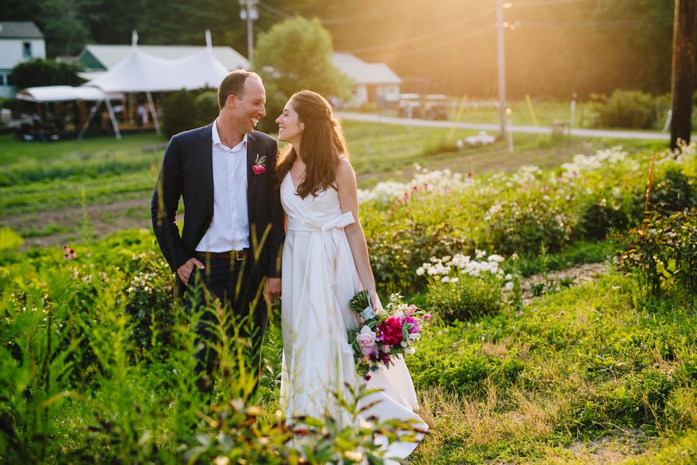099-coonamessett-farm-wedding-photography.jpg