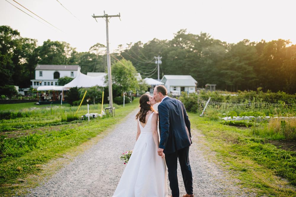 100-coonamessett-farm-wedding-photography.jpg