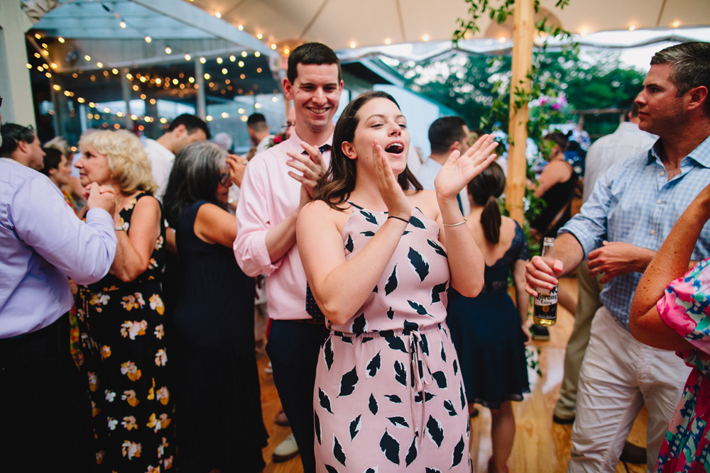 115-coonamessett-farm-wedding-reception.jpg