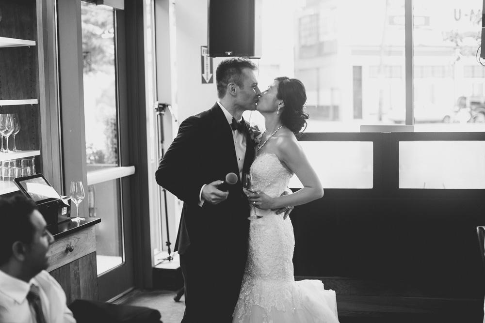 061-boston-restaurant-wedding.jpg