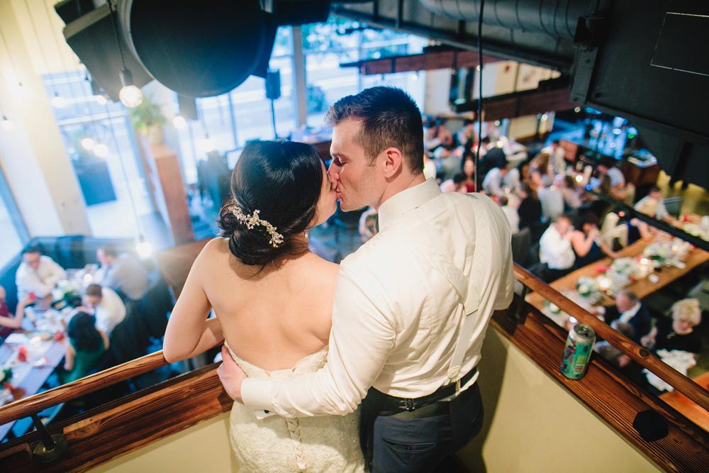 067-boston-restaurant-wedding.jpg