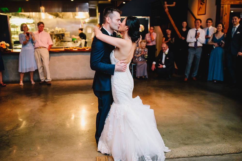 074-boston-restaurant-wedding-photography.jpg